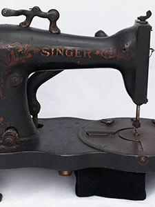 INDUSTRIAL TABLE MODEL SEWING MACHINE