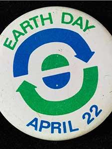 EARTH DAY BUTTONS